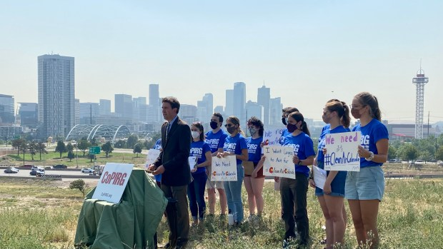 CoPIRG demonstration for clean air