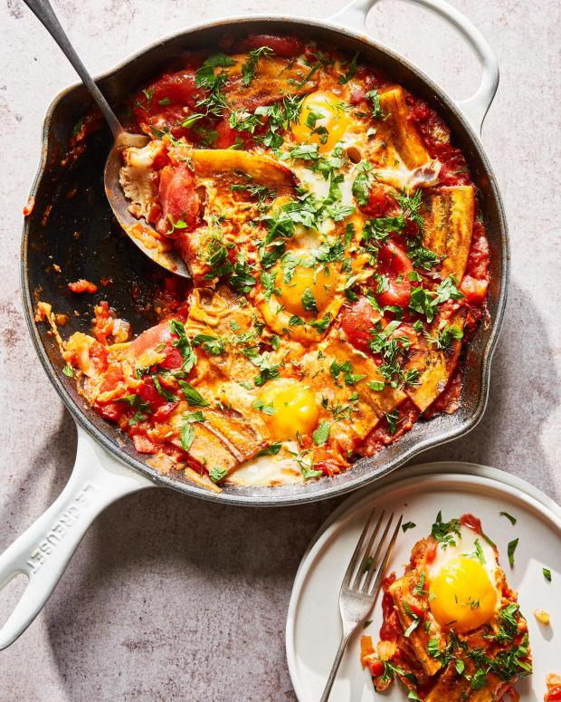 Plantains with jammy tomatoes and eggs ...