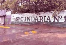 Photo of Apuñalan a un adolescente en una escuela de León