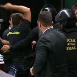 Agentes penitenciários invadem comissão e adiam votação sobre Previdência