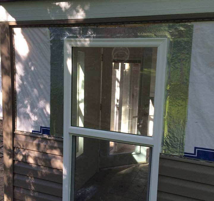 Guide to Buying Vinyl Replacement Windows.