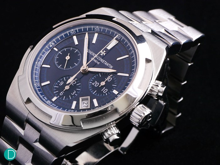 The case of the VC Overseas Chronograph 5200.