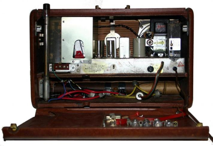 Radio Receiver R-520/URR - chassis