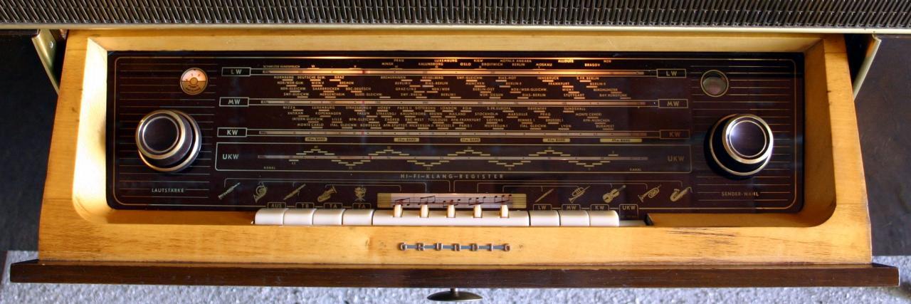 Radio Grundig Musikschrank 9070 – scala – De Poi – Radio d\'Epoca