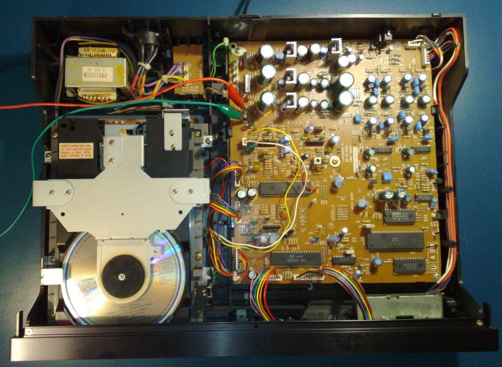 De poi collezione e restauro radio d 39 epoca - Lettore cd harman kardon ...
