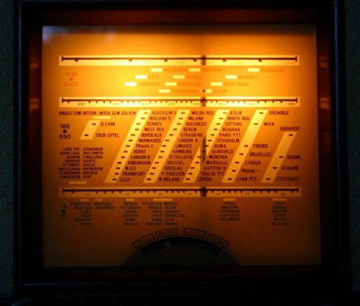 Radio a valvole belga - scala parlante