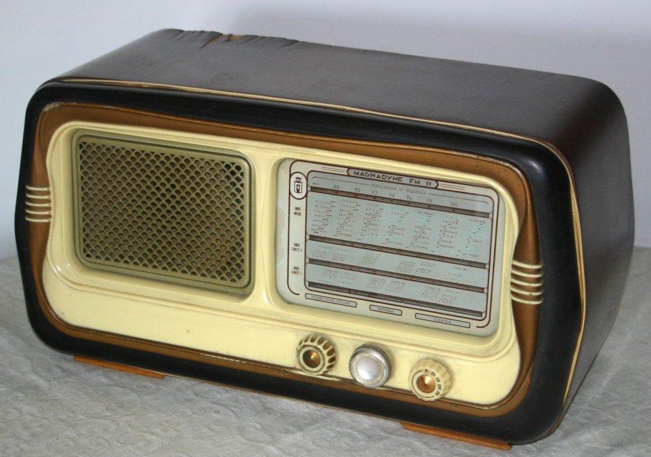 Radio Magnadyne FM11