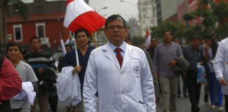 Dr. Paco García, vocero del Cuerpo Médico del Hospital Loayza