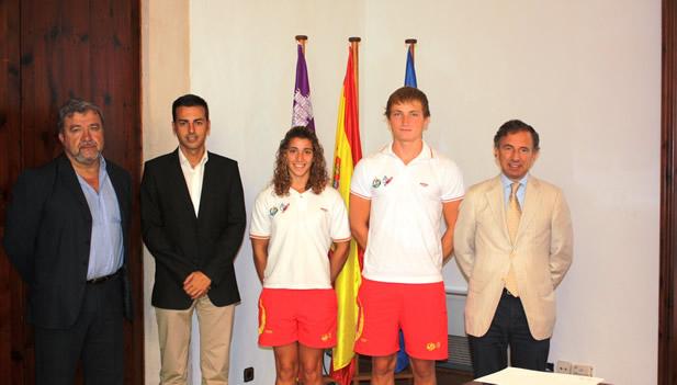 El conseller y el director general de Deportes reciben a los palistas Alicia Heredia y Marcus Cooper