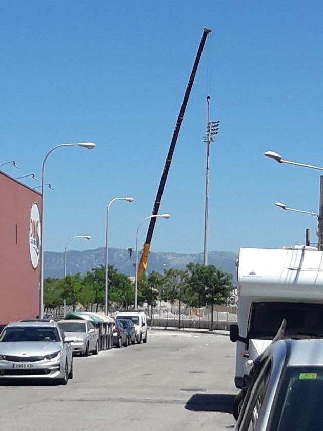 colocación de las torres de ilumiación (2)