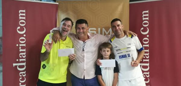 Santi Martorell y Biel Suau junto al director comercial de mallorcadiario.com, Alberto Hernández