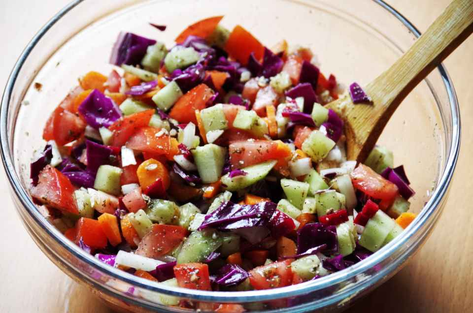 Receta de ensalada de legumbres con alubias