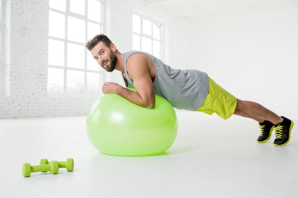 Extensión de abdominales con fitball