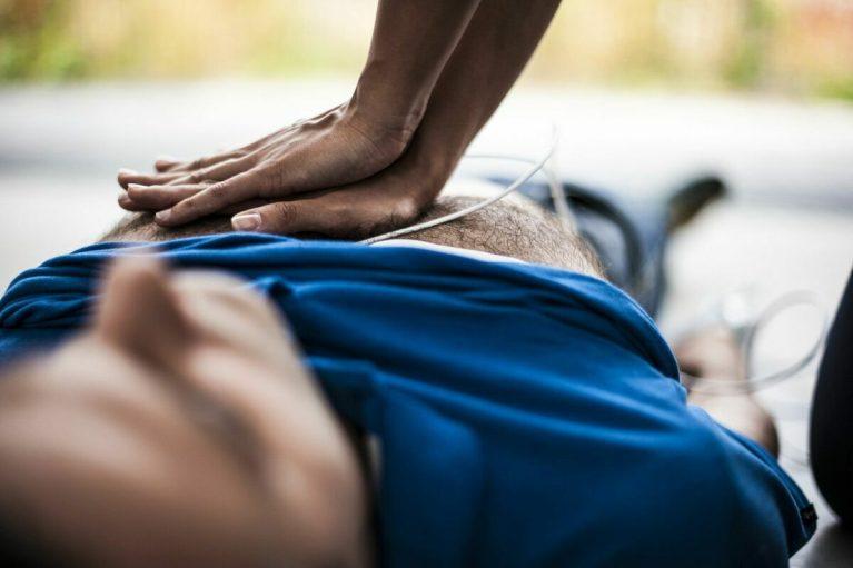Cómo actuar en una parada cardiorrespiratoria