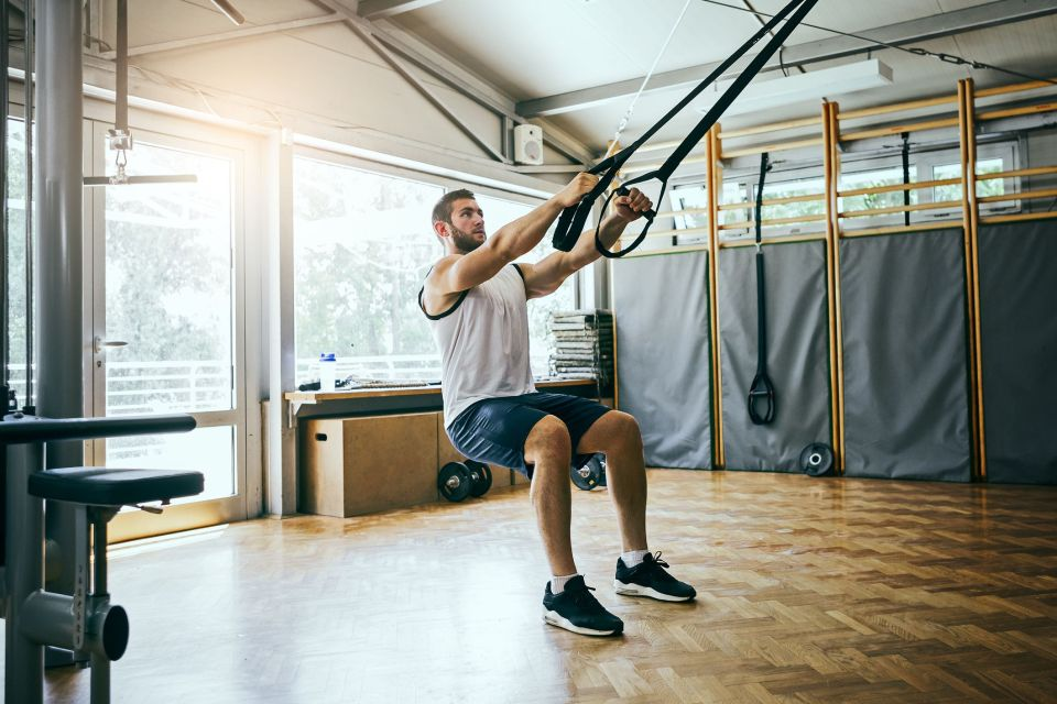 ejercicios de glúteos con TRX