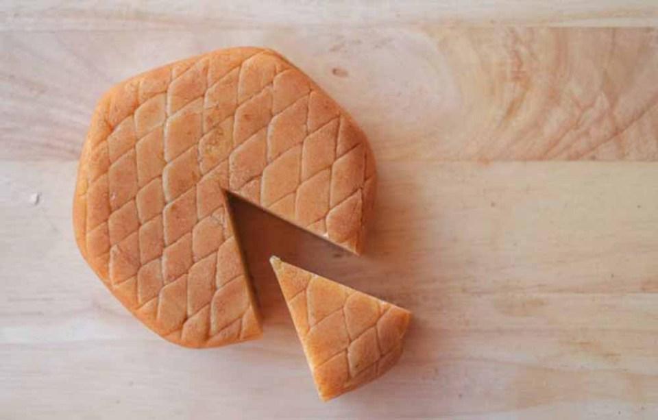 Cómo hacer queso de almendras, uno de los mejores platos veganos altos en proteína
