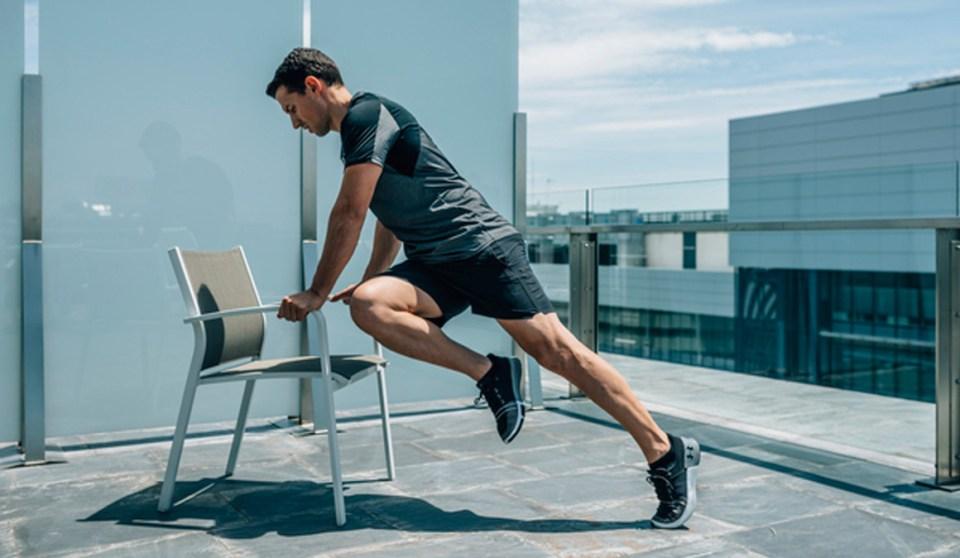 La escalada es uno de los ejercicios recomendados para entrenar con una silla