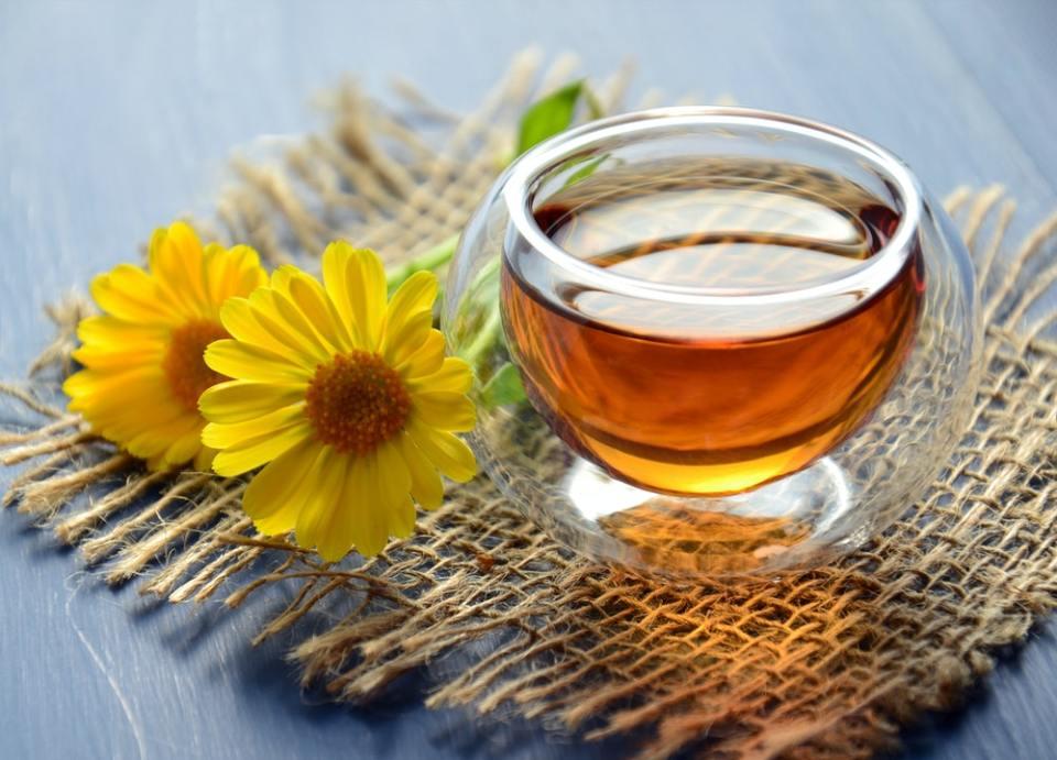 La infusión de manzanilla es uno de los mejores remedios naturales para combatir el ardor