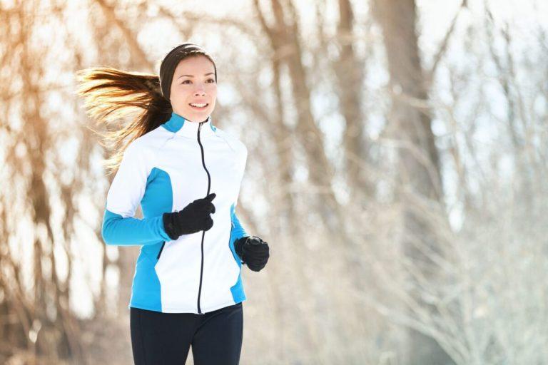Preparar la piel para hacer deporte al aire libre en invierno