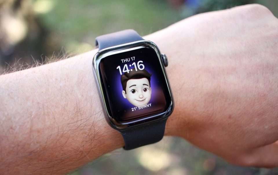Samsung galaxy watch vs Apple watch