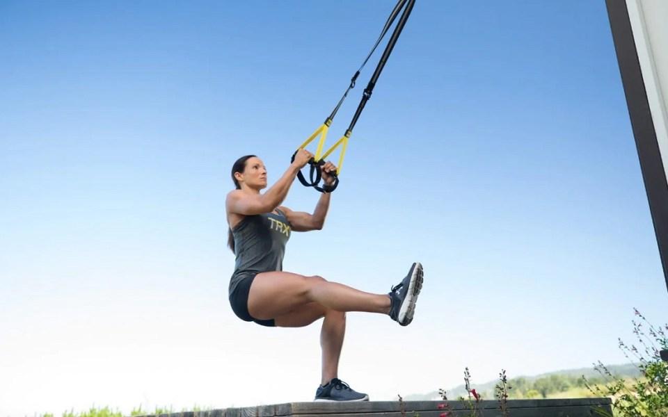 ejercicios rutina con TRX para glúteos