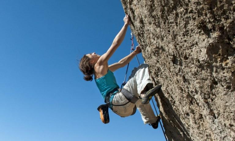 Tipos de agarres en escalada