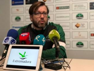 El Cáceres recibe al Huesca con ilusiones renovadas