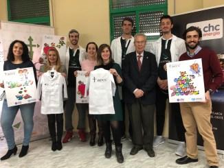 """Los jugadores del Cáceres Patrimonio de la Humanidad y del Torta del Casar Extremadura """"Investigadores por un día con la AECC"""""""