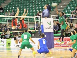 El Extremadura Cáceres Patrimonio de Voleibol se centra en el trabajo de entrenamiento