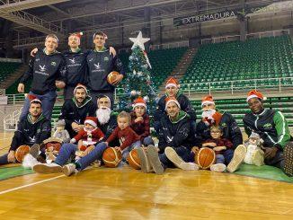 El Cáceres Ciudad del Baloncesto felicita la Navidad a su afición