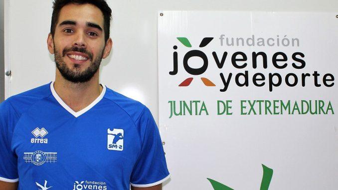 El capitán del Extremadura CCPH Ricardo Brillo renueva otra temporada