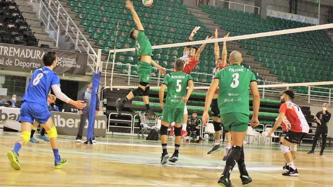 No pudo el Extremadura Cáceres Patrimonio de la Humanidad con el Voleibol Dumbría en el multiusos