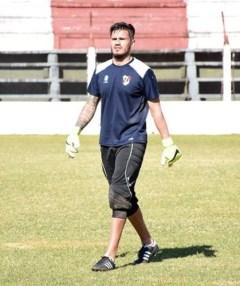 Gastón Molina fue el arquero de los titulares ayer (Foto: Facundo Correa, El Territorio)