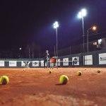OTC inauguró nuevas luces en las canchas de tenis