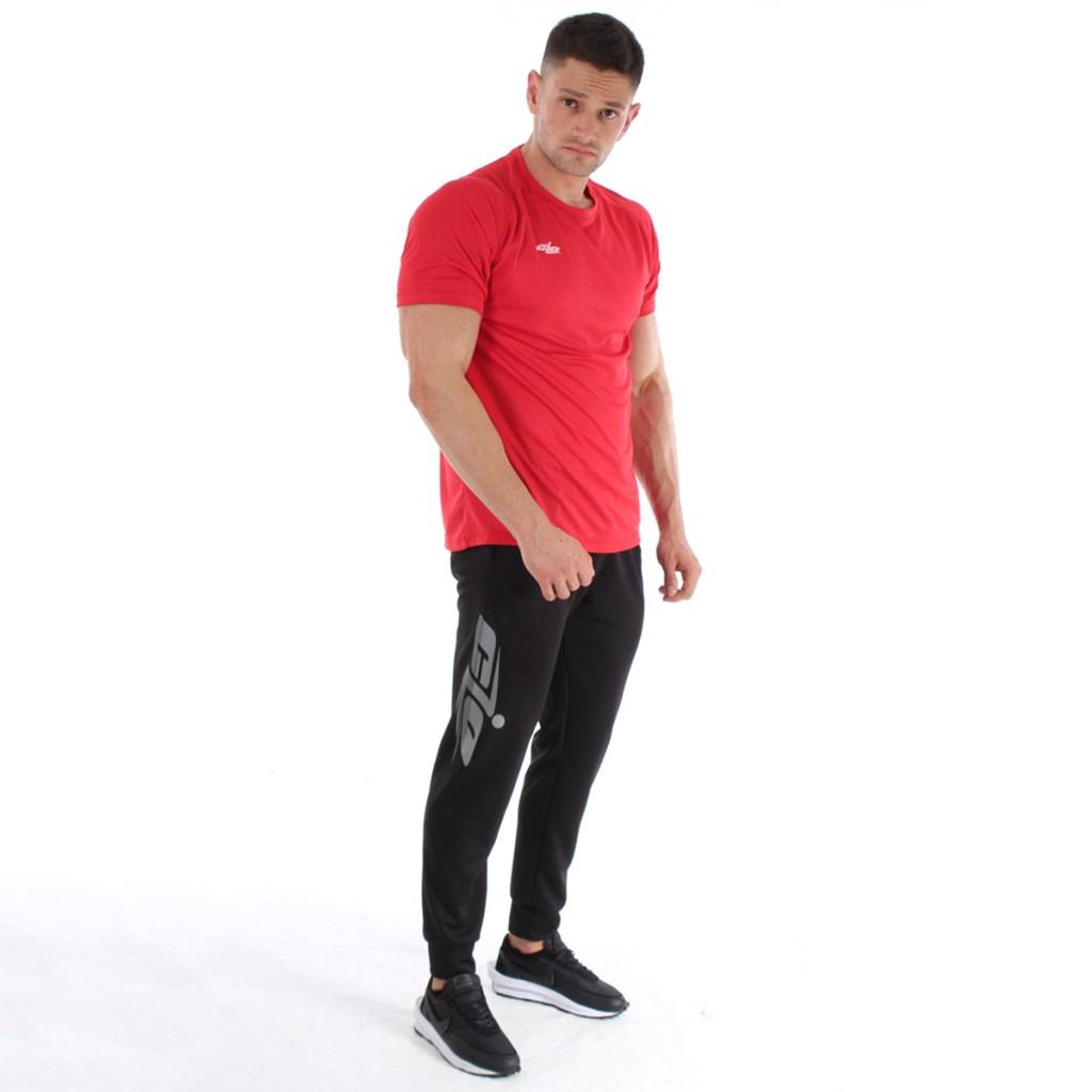camisa basica roja y pantalon