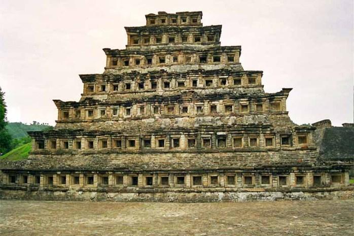 el-tajins-pyramid-of-niches