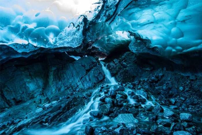 mendenhall-glacier-cave