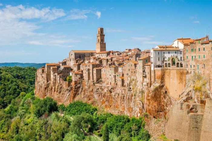 pitigliano-beautiful-places-in-italy