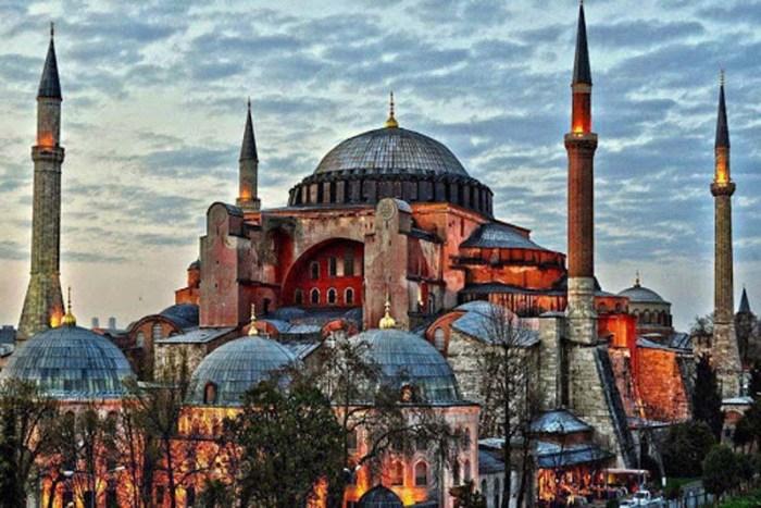 aya-sofya-beautiful-places-in-turkey