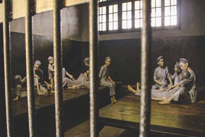 hanoi-hilton-historic-prisons