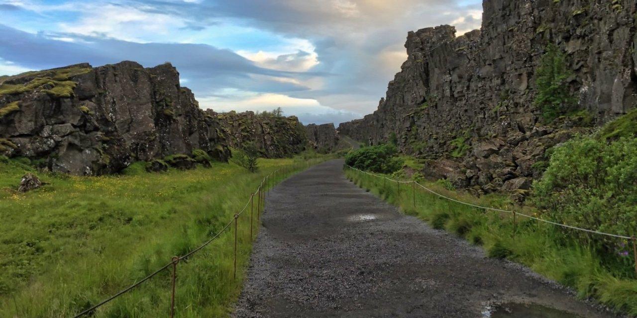 Atardecer en Þingvellir