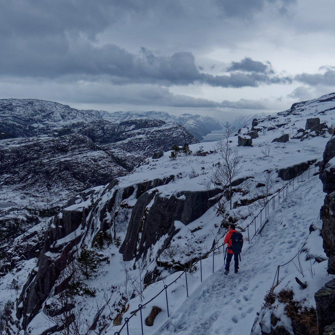 Bordeando el Neverdalsfjell
