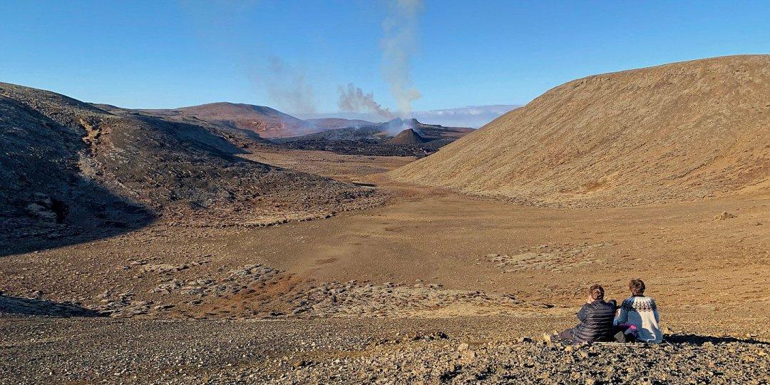 Una pausa frente al volcán