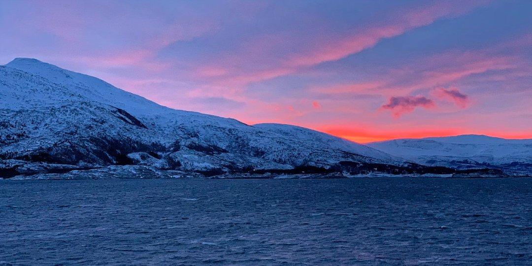 Amanece en Helgeland