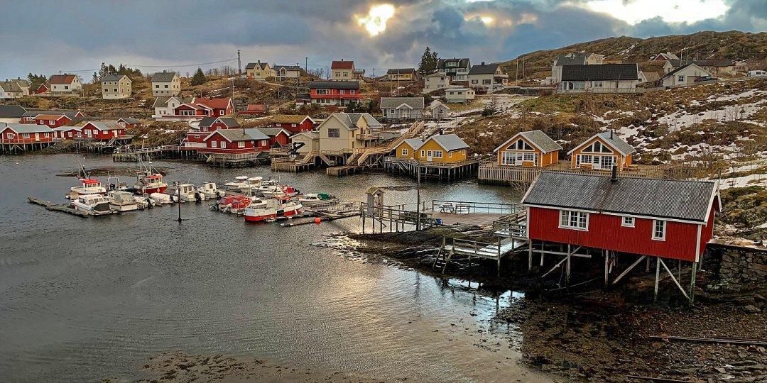 Puerto de Sørvågen desde el hotel