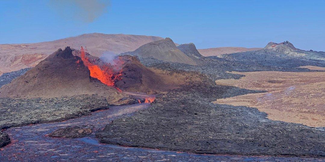 Una excursión imprevista al volcán de Geldingadalir