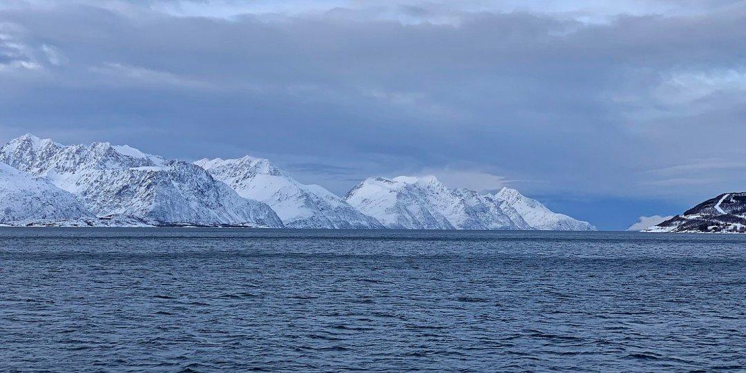 Atravesando el Lyngenfjorden