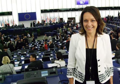 Égalité femmes/hommes : la demande pour une politique européenne ambitieuse trouve une majorité progressiste