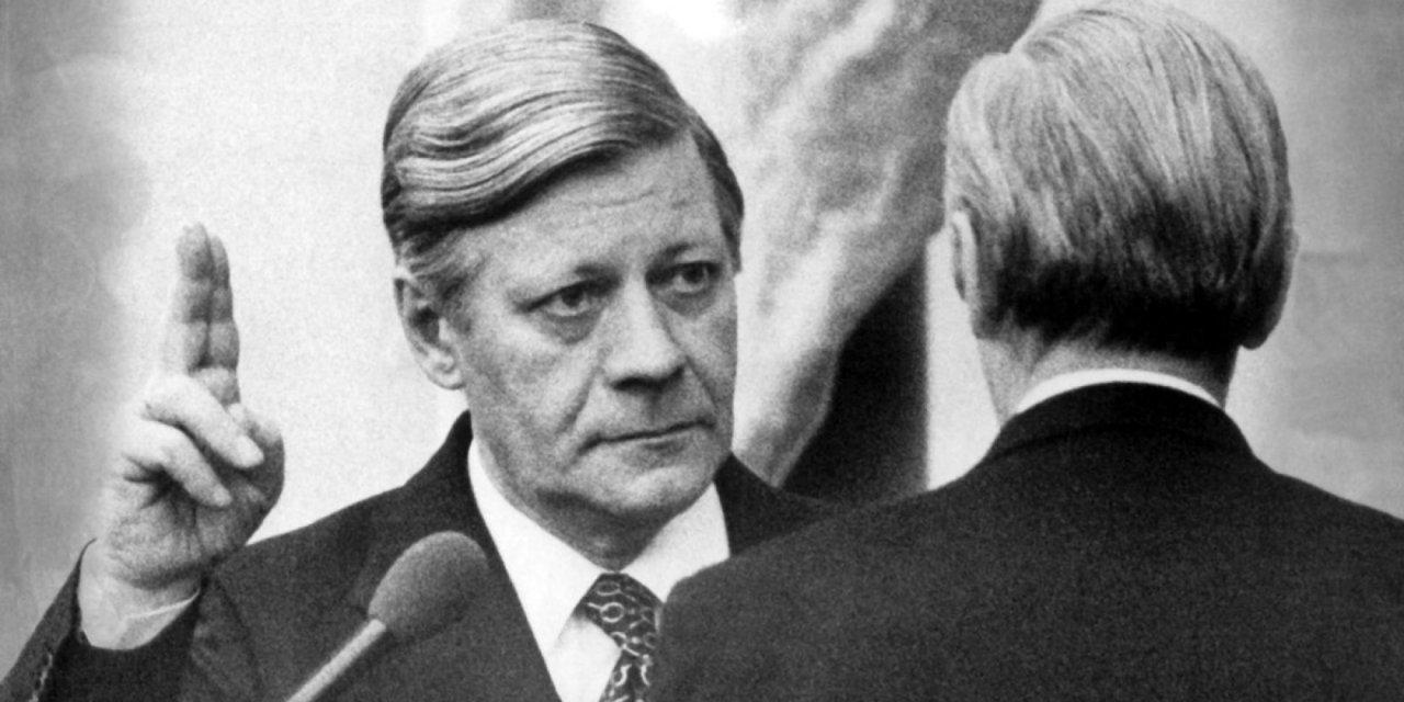 Le départ d'Helmut Schmidt, c'est pour l'Europe tout entière celui d'un grand sage