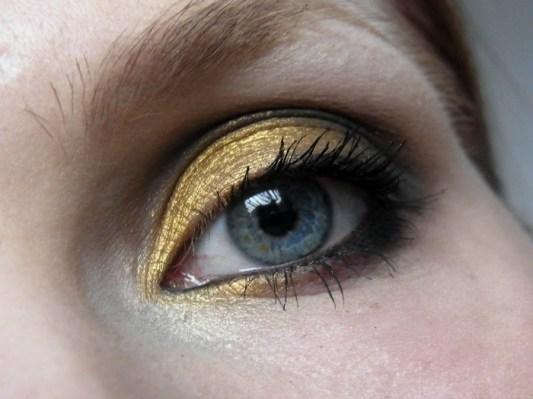 Dezember 2012 - Gold Glitter Smokey Eye